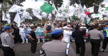 Gubernur DKI Tak Kunjung Diperiksa, Massa Islam Jabar Ancam Duduki Jakarta