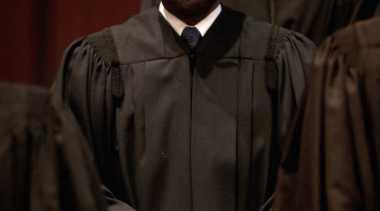 Hukum Pelaku Inses 60 Hari Penjara, Hakim AS Dituntut Mundur