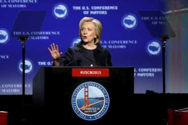 Ditemukan Bahan Mencurigakan, Markas Kampanye Hillary Dikosongkan