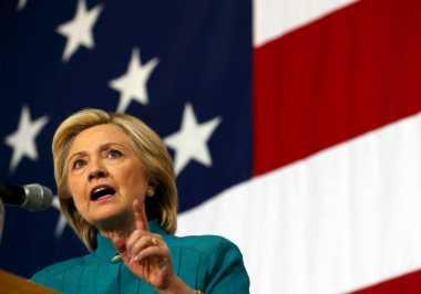 Serbuk Putih di Kantor Hillary Bukan Benda Berbahaya