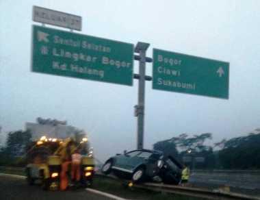 Kecelakaan di Pintu Keluar Tol Sentul Selatan, Satu Orang Dilarikan ke Rumah Sakit