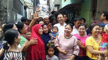 Sambangi Tambora, Anies Baswedan Dikerumuni Ibu-Ibu
