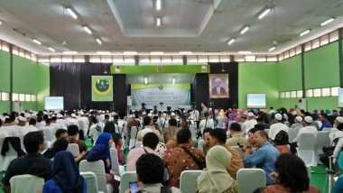 Ribuan Warga Banten Rela Menunggu Jokowi Berjam-jam