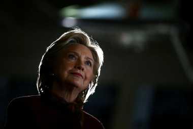 Warga AS Ingin Hillary Dituntut atas Skandal E-Mail