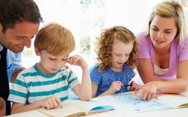 TOP FAMILY 1: Anak Menjadi Santun jika Orangtua Mengajarkan Pola Asuh seperti Ini