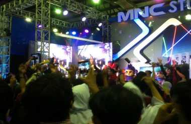 Keseruan Pengunjung IBX 2016 di Booth MNC Media