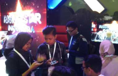 "Pengunjung IBX 2016 Padati ""Audisi"" Rising Star Indonesia di Booth MNC Media"