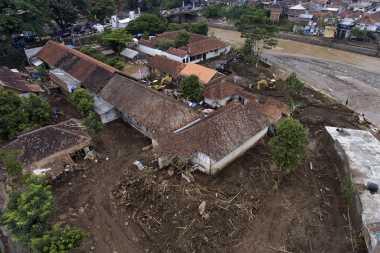 Intensitas Hujan Relatif Tinggi, Pekalongan Berlakukan Status Siaga Darurat Bencana