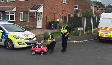 Heboh, Polisi Tes Alkohol Bocah 9 Bulan yang Kendarai Mobil Mainan