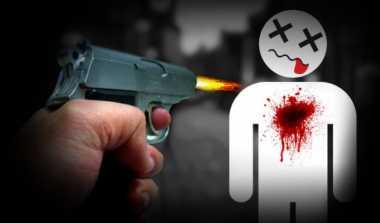 Pria Bersenjata AK-47 Tembak Mati Dua Orang dan Lukai Polisi