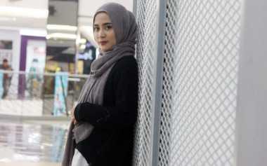 Tutorial Hijab Segi Empat Berpita ala Restu Anggraini
