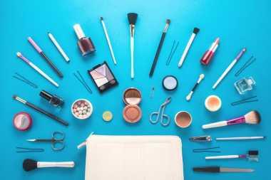 Begini Aturan Tepat Membersihkan Kuas Make-up