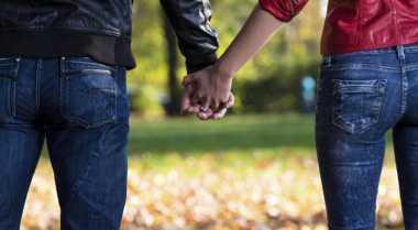 TOP FAMILY: Ini Rahasia di Balik Genggaman Tangan Kekasih Anda