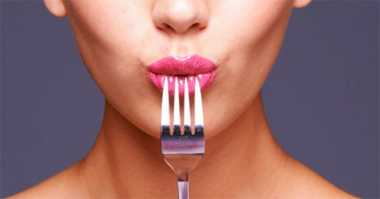 Kulineran di Luar Negeri, Perhatikan 3 Etika Makan Ini