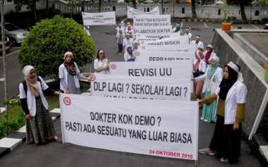 FOKUS: Dokter Turun ke Jalan, Pasien Jangan Ditelantarkan!