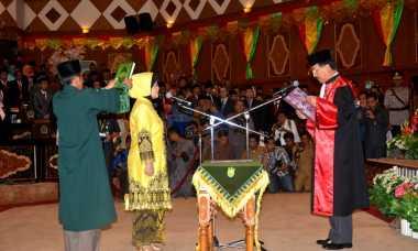 Kosong Setahun, Kursi Ketua DPRD Riau Kini Diisi Istri Tua Mantan Gubernur