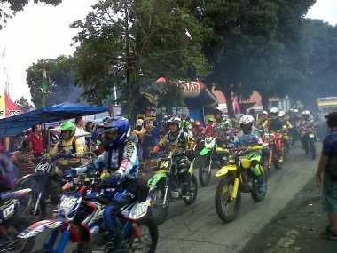 Ribuan Rider dari Belasan Provinsi Jelajahi Alam Bumi Pat Petulai