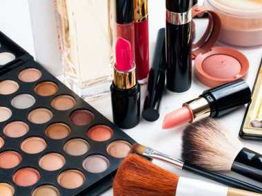 7 Bahan Kimia Berbahaya dalam Kosmetik Bisa Memicu Kanker