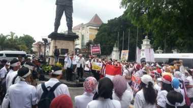 Tolak Penerapan DLP, Ratusan Dokter Turun ke Jalan Bawa Keranda Mayat