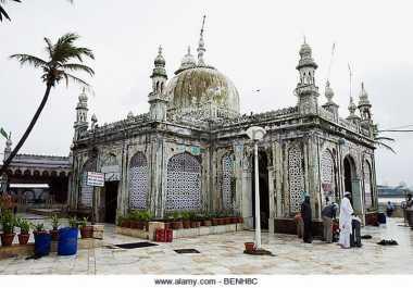 Masjid Bersejarah di India Akhirnya Izinkan Perempuan Masuk