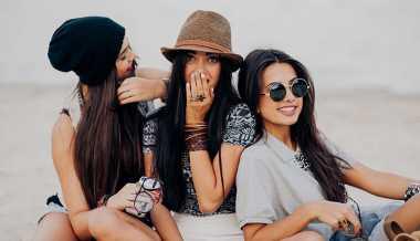 TOP FAMILY: Waduh, Ini 4 Ciri Teman Perusak Hubungan Asmara