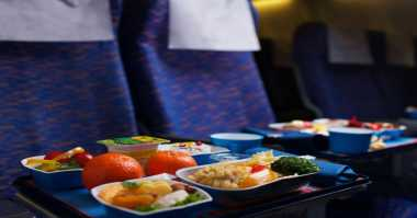 5 Trik Santap Makanan di Pesawat agar Terasa Lezat