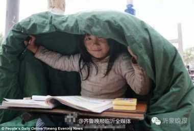 HOT THREAD (5): Meski Mengemis, Gadis Mungil Ini Menolak Tinggalkan Pendidikan