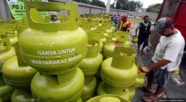 Polisi Gerebek Gudang Gas Oplosan, Diduga Milik Anggota Dewan