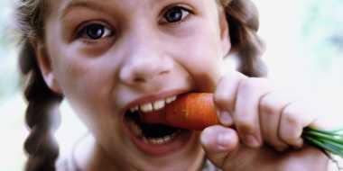 Selain Menyehatkan Mata, Makan Wortel Menambah Tinggi Badan Anak