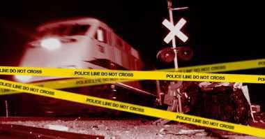 2 Pemotor Tewas Tertabrak Kereta di Perlintasan Tanpa Palang Pintu