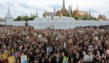 Berduka untuk Raja, Thailand Batasi 10 Ribu Pelayat Per Hari