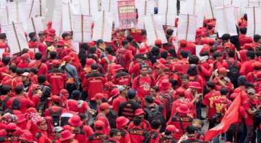 Ada Demo Buruh, Polisi Perketat Penjagaan di Balai Kota