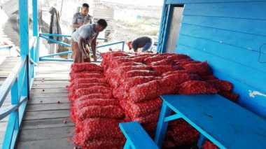 350 Karung Bawang Merah Ilegal Asal Malaysia Gagal Masuk Indonesia