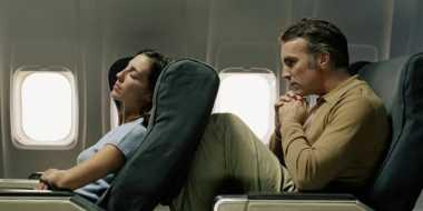 Ingat, Semua Penumpang Pesawat Punya Hak untuk Membaringkan Kursi