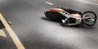 """Dua Pemotor Tewas """"Adu Banteng"""" di Jalan Ponorogo"""