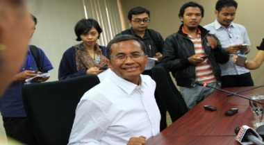 BREAKING NEWS: Keluarga Mendampingi Dahlan Iskan saat Menuju Rutan Medaeng