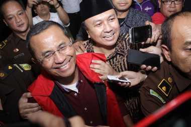 BREAKING NEWS: Dahlan Iskan Ditahan, Pengacara Akan Lakukan Upaya Hukum Besok