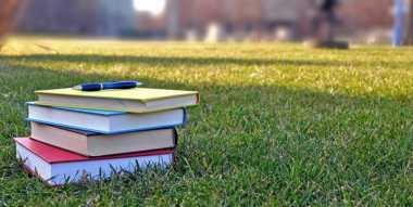 Tingkatkan Literasi Melalui Pameran Buku