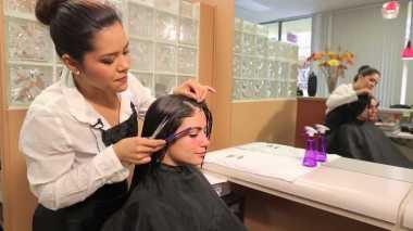 Pemberdayaan Perempuan Melalui Pelatihan Tata Rambut Standar Internasional