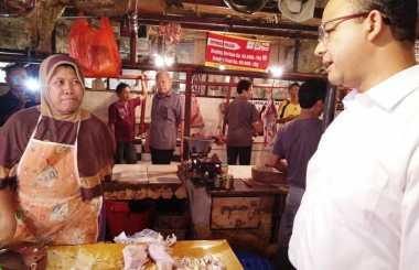 Blusukan ke Pasar Tebet Barat, Anies Serap Aspirasi Pedagang