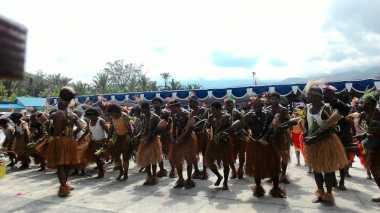 Atraksi Tarian Khas Papua Semarakkan Hari Sumpah Pemuda