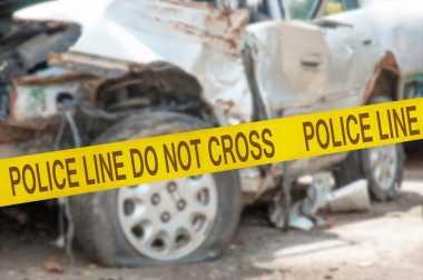 Ugal-ugalan, Dua Truk Pengangkut Polisi Tabrakan