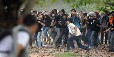Peringatan Sumpah Pemuda Diwarnai Bentrokan Mahasiswa vs Polisi