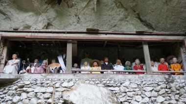 Mengintip Kengerian Kubur Batu di Toraja