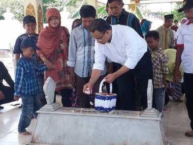 Ibunda Restui Anies Baswedan Maju di Pilkada DKI