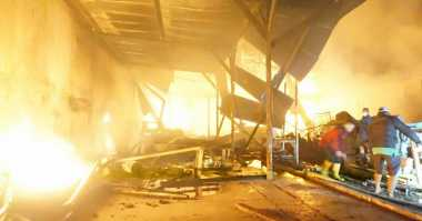 Gudang Mebel di Jombang Ludes Terbakar