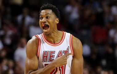 Hassan Whiteside & Wayne Ellington Bawa Miami Heat Menang atas Denver Nuggets