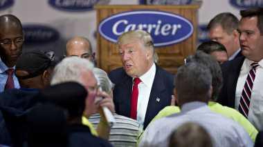 Trump Berjanji akan Terus Lindungi Pekerja AS