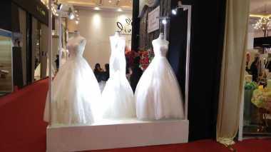 Pilih Konsep Outdoor, Begini Model Gaun Pernikahan yang Paling Tepat