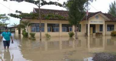Banjir Rendam Dua Sekolah di Gunungkidul, Siswa Ujian di Masjid